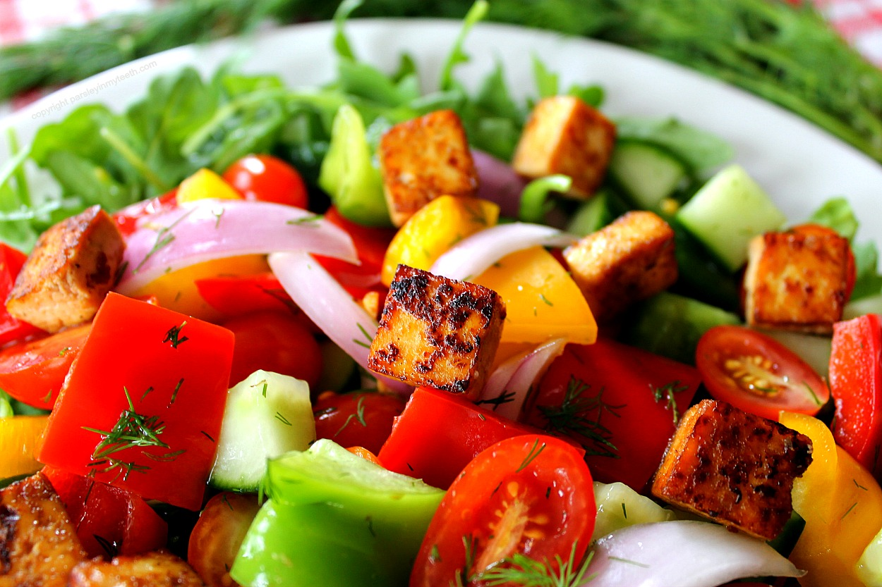 Panzanella salad with marinated tofu 3
