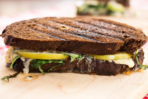 Grilled Blue Cheese Green Apple & Arugula on Pumpernickel by Parsley In My Teeth 6