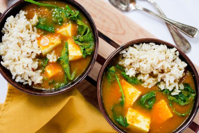Vegan Red Curry Tofu And Kale With Brown Rice Recipe — Dishmaps