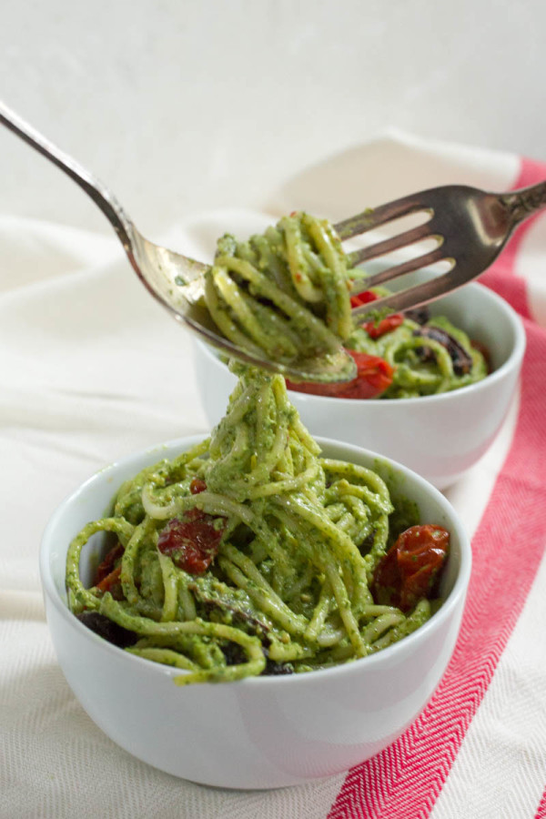 Roasted Tomato and Mushroom Pasta with Parsley and Pistachio Pesto by Parsley In My Teeth