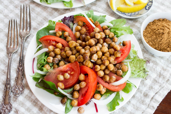Chickpea Schwarma Salad by Parsley In My Teeth