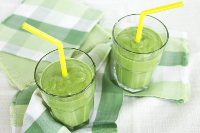 Banana Avocado & Spinach Smoothie with Hemp Seed by Parsley In My Teeth, vegan, smoothie, healthy