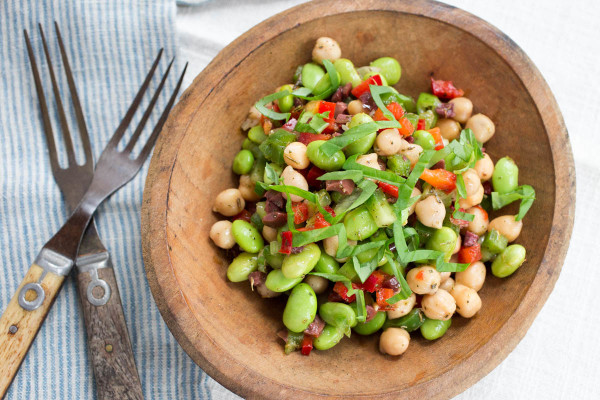 Chickpea Edamame & Kalamata Olive Salad - Parsley In My Teeth, healthy salads, easy salads, vegan