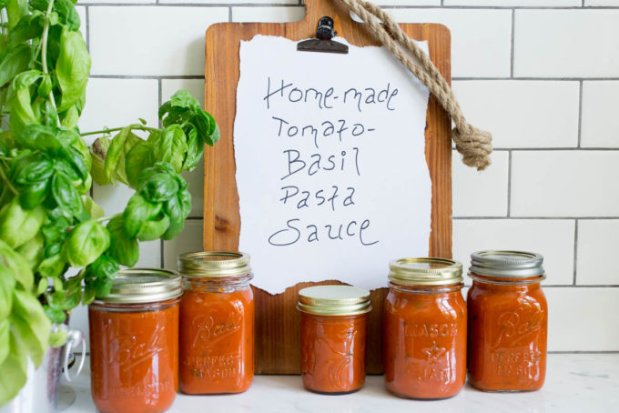 Homemade Tomato-Basil Pasta Sauce by Parsley In My Teeth, vegan pasta sauce, healthy pasta sauce
