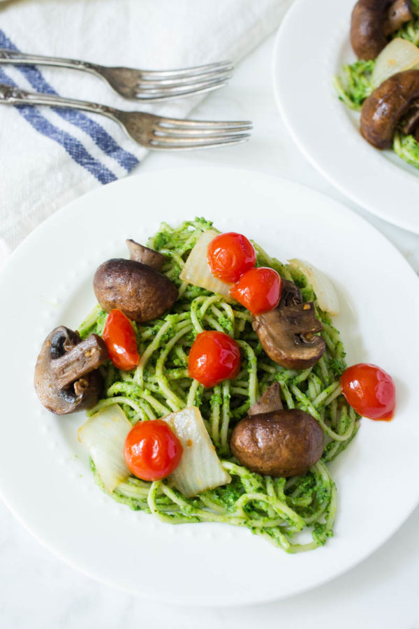 Sweet Pea Broccoli + Spinach Pesto Pasta with Grilled Mushrooms Tomatoes + Onions from Parsley In My Teeth
