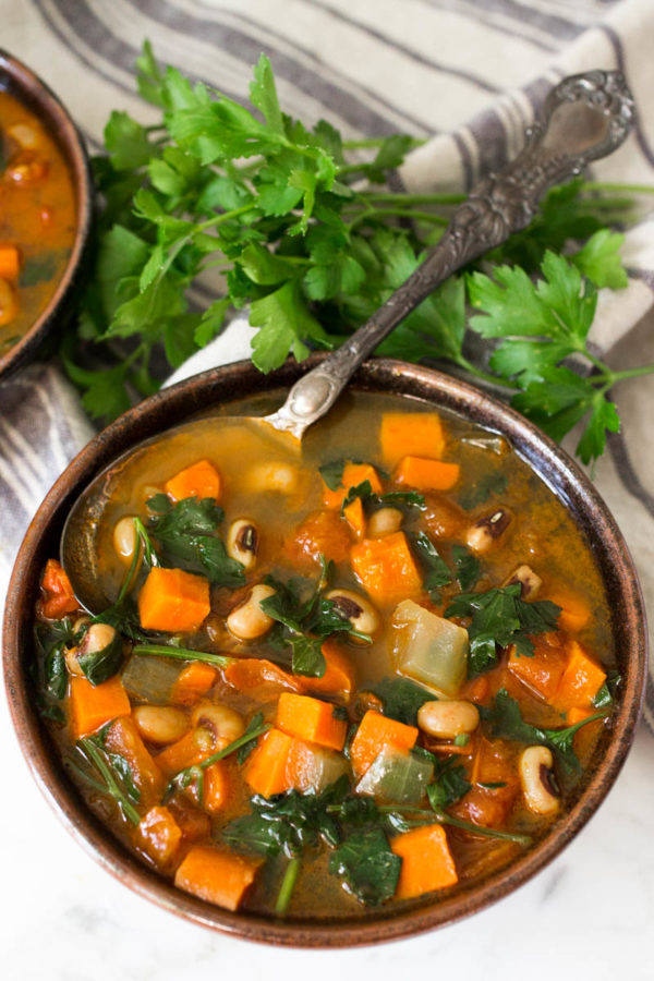curried-black-eyed-pea-soup-from-parsley-in-my-teeth