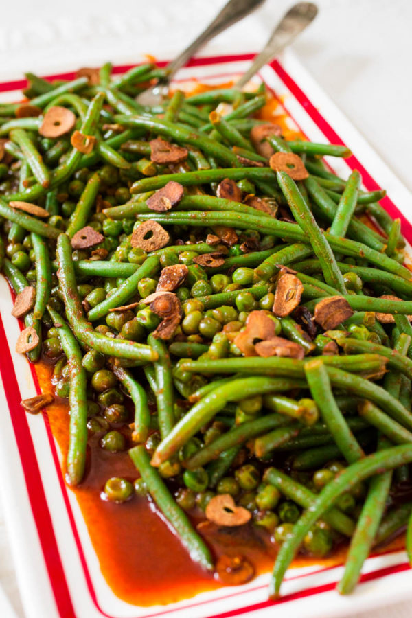 green-beans-peas-in-tomato-paprika-sauce-with-crispy-garlic-from-parsley-in-my-teeth
